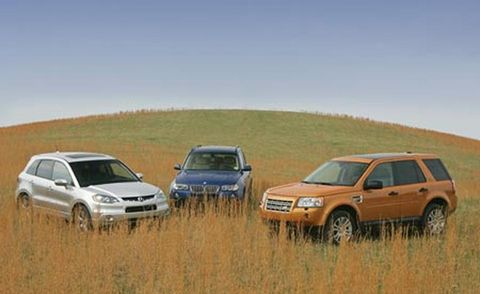 Tire, Motor vehicle, Wheel, Automotive design, Vehicle, Land vehicle, Natural environment, Transport, Automotive parking light, Car,
