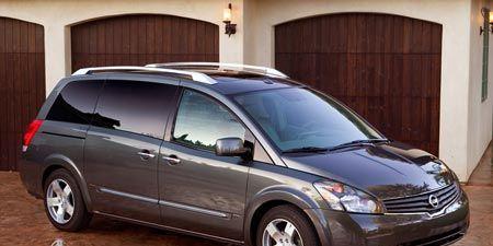 Tire, Wheel, Automotive mirror, Vehicle, Land vehicle, Glass, Automotive tire, Transport, Automotive design, Car,