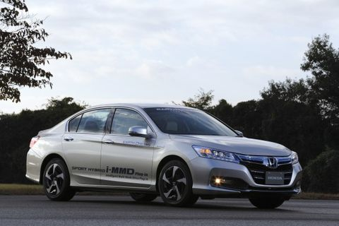 Honda Has Been Teasing Us With Accord Hybrid Details For More Than A Year Now Going Back To The 2010 L Auto Show When H Debuted Its Plug In