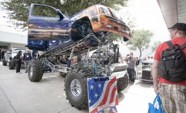 the heroes truck