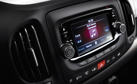 Chrysler Adding Five-Inch Uconnect Infotainment System – News – Car