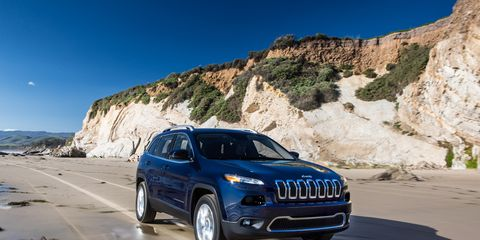 Jeep Cherokee Mpg >> 2014 Jeep Cherokee Epa Ratings Announced News Car And Driver