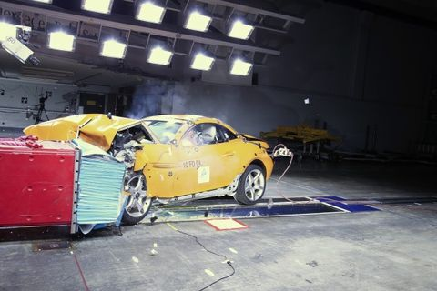 The Federal Government In Its First Major Update Of Vehicle Safety Laws Seven Years Wants To Toughen Crash Tests Measure Pedestrian Impact And