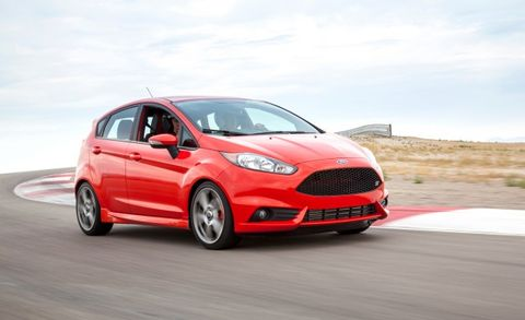 6 Automaker Performance-Driving Schools Detailed – Feature
