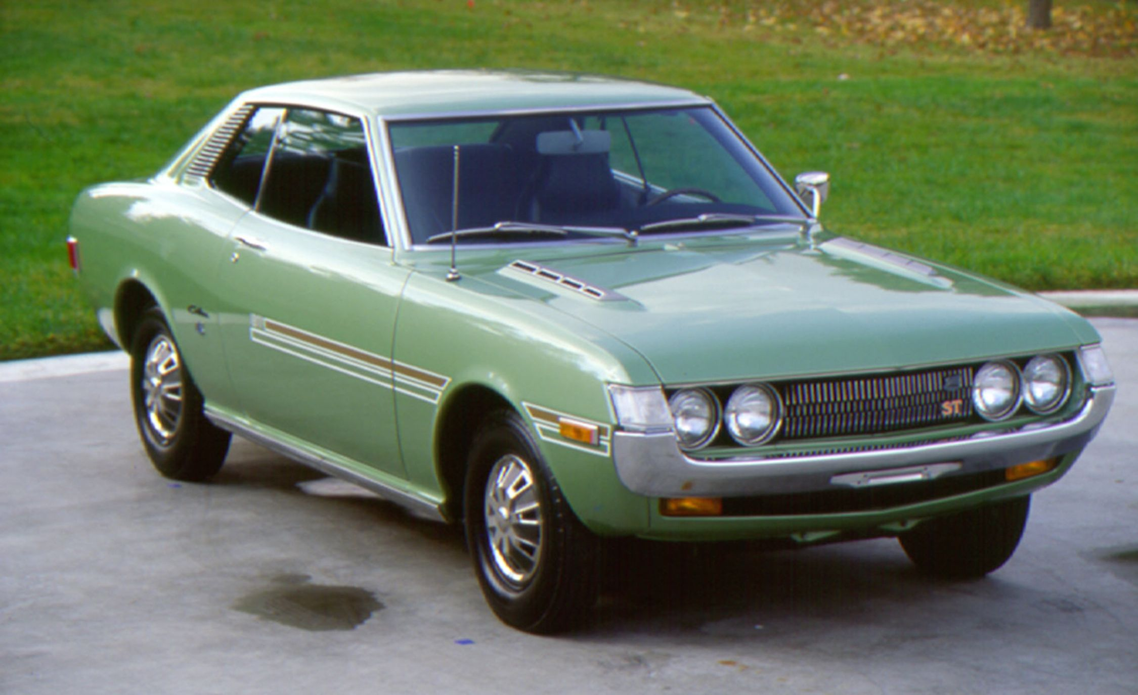 15 classic toyota cars best toyota vehicles of all time