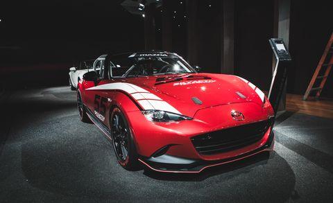 Automotive design, Vehicle, Automotive lighting, Headlamp, Car, Performance car, Supercar, Personal luxury car, Fender, Hood,