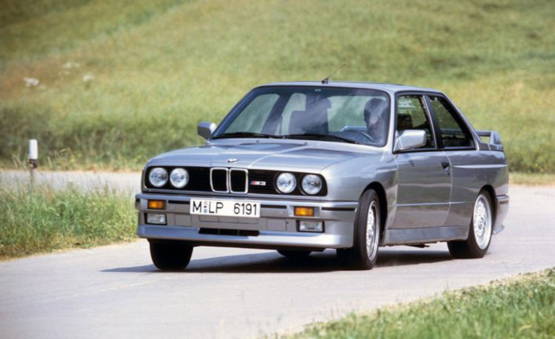 30 Coolest Cars Of The 1980s That Are Awesome To The Max