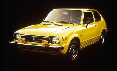 Wheel, Automotive design, Vehicle, Yellow, Land vehicle, Automotive parking light, Headlamp, Hood, Automotive lighting, Car,