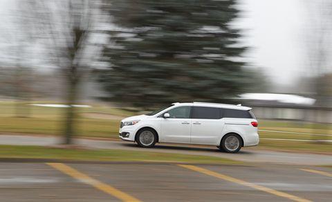 Wheel, Automotive mirror, Automotive design, Vehicle, Transport, Automotive tire, Rim, Automotive exterior, Alloy wheel, Car,