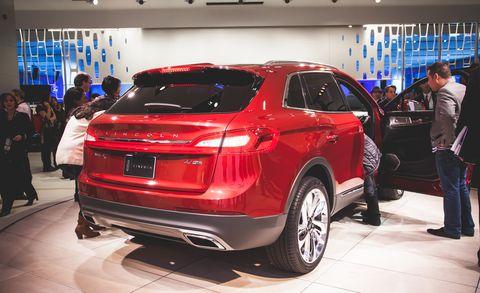 Tire, Wheel, Automotive design, Product, Vehicle, Land vehicle, Event, Car, Sport utility vehicle, Crossover suv,