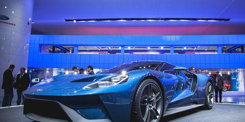 Tire, Wheel, Automotive design, Mode of transport, Vehicle, Land vehicle, Performance car, Car, Supercar, Headlamp,