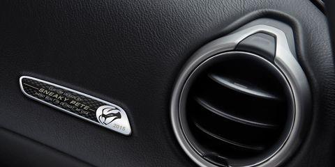 Automotive design, Logo, Personal luxury car, Symbol, Luxury vehicle, Carbon, Mercedes-benz, Silver, Supercar, Trademark,