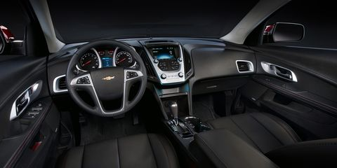 Motor vehicle, Steering part, Automotive design, Product, Steering wheel, Center console, Vehicle audio, Technology, Car, Speedometer,