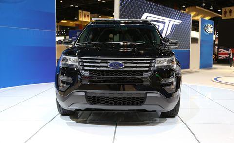 Automotive design, Vehicle, Land vehicle, Automotive lighting, Automotive exterior, Grille, Car, Headlamp, Bumper, Automotive fog light,