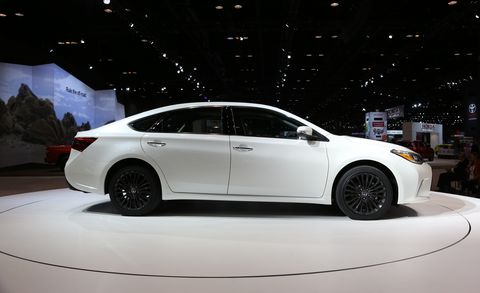 Wheel, Tire, Automotive design, Vehicle, Land vehicle, Car, Alloy wheel, Mid-size car, Automotive tire, Luxury vehicle,