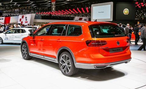 Passat Alltrack Usa >> Vw Debuts New Passat Alltrack Wagon Naturally We Want One News