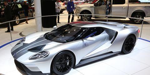 Wheel, Tire, Automotive design, Mode of transport, Vehicle, Land vehicle, Event, Rim, Automotive tire, Supercar,
