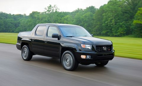 Tire, Motor vehicle, Wheel, Automotive tire, Automotive mirror, Transport, Vehicle, Automotive lighting, Rim, Automotive parking light,