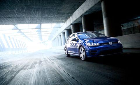Automotive design, Vehicle, Automotive lighting, Rim, Headlamp, Car, Alloy wheel, Automotive wheel system, Bumper, Automotive exterior,