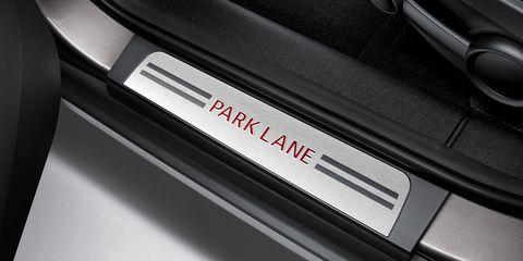 Automotive design, Automotive exterior, Luxury vehicle, Parallel, Personal luxury car, Carbon, Machine, Steel,