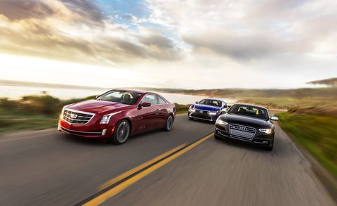 Tire, Motor vehicle, Wheel, Automotive design, Vehicle, Automotive mirror, Land vehicle, Automotive lighting, Car, Infrastructure,