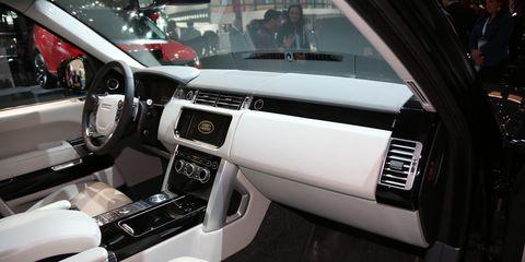 Motor vehicle, Automotive design, Vehicle, Steering part, Steering wheel, Automotive mirror, Personal luxury car, Center console, Vehicle door, Car seat,