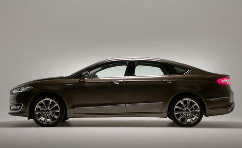 Tire, Wheel, Automotive design, Mode of transport, Vehicle, Transport, Car, Full-size car, Rim, Alloy wheel,