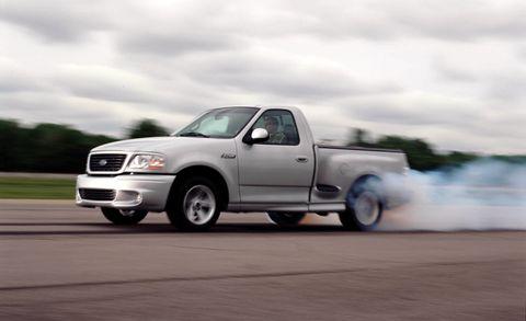 Wheel, Motor vehicle, Tire, Automotive tire, Automotive design, Vehicle, Truck, Land vehicle, Transport, Pickup truck,