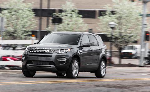 Tire, Wheel, Land vehicle, Automotive design, Vehicle, Automotive tire, Automotive mirror, Rim, Car, Automotive lighting,
