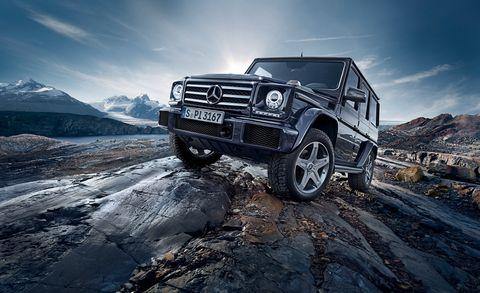 Tire, Wheel, Automotive tire, Automotive design, Automotive exterior, Vehicle, Rim, Car, Automotive lighting, Hood,