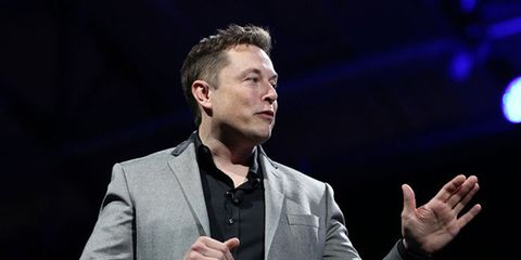 "Musk: Tesla ""unlikely"" to pursue battery swapping stations"