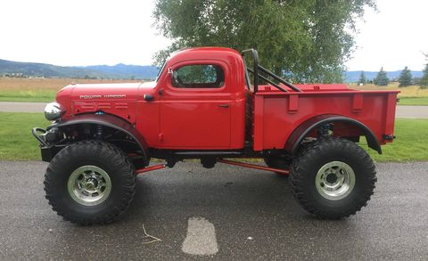 Motor vehicle, Tire, Automotive tire, Vehicle, Automotive design, Truck, Rim, Pickup truck, Fender, Tread,