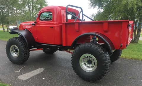 Motor vehicle, Tire, Wheel, Automotive tire, Truck, Automotive design, Rim, Fender, Tread, Pickup truck,