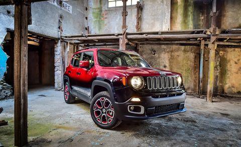Tire, Motor vehicle, Wheel, Automotive tire, Automotive design, Vehicle, Automotive lighting, Automotive exterior, Hood, Land vehicle,