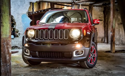 Motor vehicle, Tire, Automotive design, Mode of transport, Automotive tire, Automotive exterior, Automotive lighting, Vehicle, Hood, Headlamp,