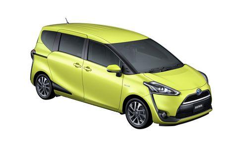 Tire, Motor vehicle, Wheel, Automotive mirror, Mode of transport, Automotive design, Yellow, Vehicle, Transport, Vehicle door,