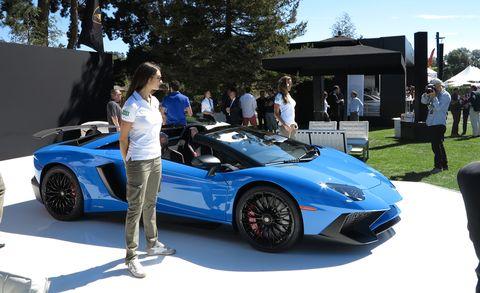 Tire, Wheel, Automotive design, Vehicle, Land vehicle, Performance car, Rim, Supercar, Car, Sports car,