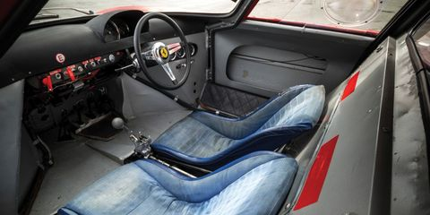 Motor vehicle, Mode of transport, Steering part, Automotive design, Vehicle, Steering wheel, Vehicle door, Center console, Car seat, Speedometer,
