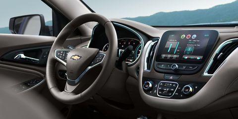 Motor vehicle, Steering part, Automotive design, Product, Transport, Steering wheel, White, Technology, Automotive mirror, Glass,