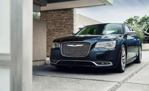 Automotive design, Headlamp, Grille, Automotive lighting, Car, Hood, Rim, Fender, Auto part, Personal luxury car,