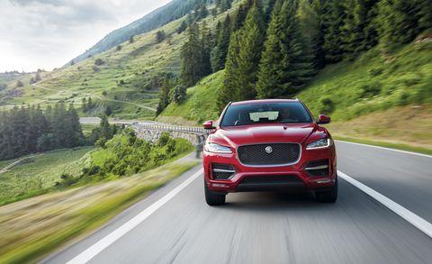 Motor vehicle, Mode of transport, Road, Automotive design, Vehicle, Automotive mirror, Automotive lighting, Infrastructure, Grille, Car,