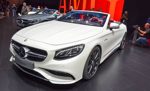 Automotive design, Vehicle, Land vehicle, Grille, Car, Personal luxury car, Mercedes-benz, Auto show, Exhibition, Luxury vehicle,