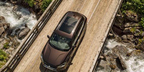 Mode of transport, Automotive design, Transport, Automotive exterior, Car, Automotive mirror, Automotive parking light, Personal luxury car, Luxury vehicle, Automotive side-view mirror,