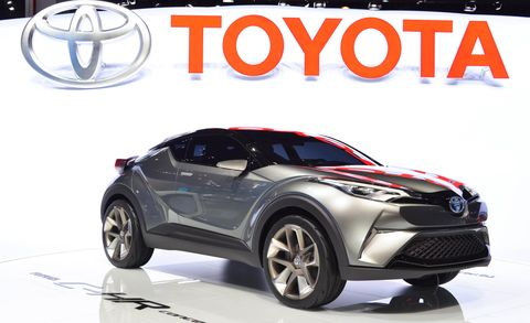 Motor vehicle, Wheel, Tire, Automotive design, Automotive tire, Automotive wheel system, Automotive exterior, Rim, Alloy wheel, Car,