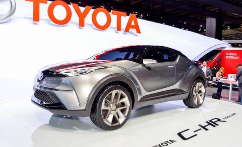 Tire, Motor vehicle, Wheel, Automotive design, Vehicle, Land vehicle, Automotive tire, Event, Car, Automotive wheel system,