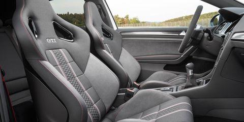 Motor vehicle, Mode of transport, Automotive design, Car seat, Vehicle door, Car seat cover, Steering wheel, Steering part, Fixture, Luxury vehicle,