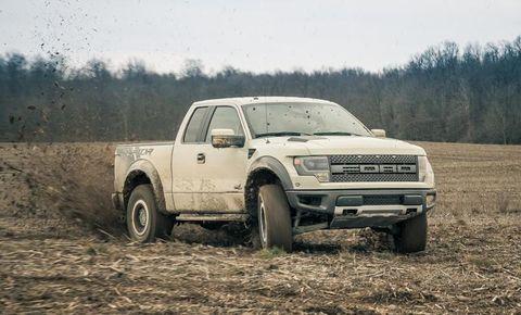 Tire, Wheel, Automotive design, Automotive tire, Vehicle, Land vehicle, Transport, Plain, Landscape, Car,