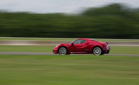 Tire, Automotive design, Vehicle, Land vehicle, Car, Performance car, Plain, Supercar, Sports car, Motorsport,
