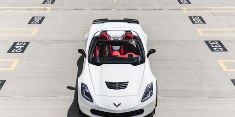 Automotive design, Vehicle, Hood, Headlamp, Automotive lighting, Grille, Car, Automotive exterior, Performance car, Automotive parking light,