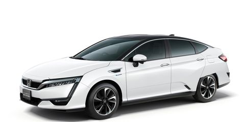 Automotive design, Mode of transport, Product, Car, Grille, Mid-size car, Alloy wheel, Rim, Automotive mirror, Luxury vehicle,